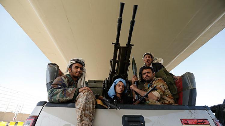 Un grupo de combatientes hutíes