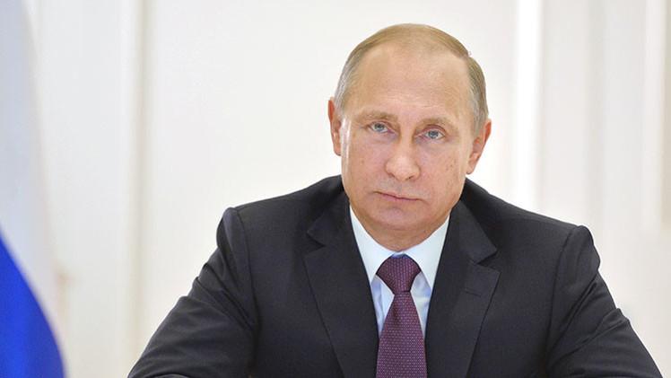 """Putin: """"La economía mundial se erosiona debido a factores políticos"""""""