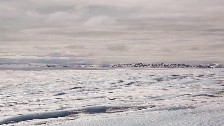 Dos enormes lagos se secan en unas semanas en Groenlandia