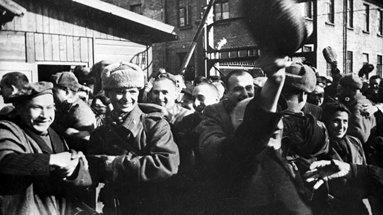 """""""Dígaselo a su canciller"""": Rusia aclara a Polonia quién liberó Auschwitz"""