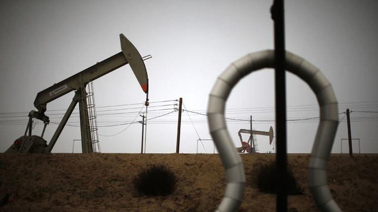 ¿Víctimas de su propio juego? Caída de precios del petróleo, un mazazo para compañías de Occidente