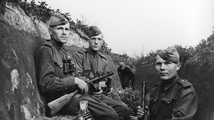 Soldados soviéticos