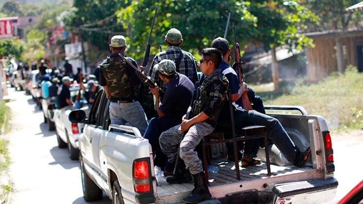 México: Estudiantes sobrevivientes del horror en Guerrero acusan al ejército y la policía