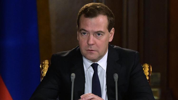 """Medvédev: """"Si nos desconectan del SWIFT responderemos sin restricciones"""""""