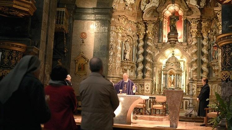 España: Uno de los mayores escándalos de abusos sexuales del clero, al descubierto
