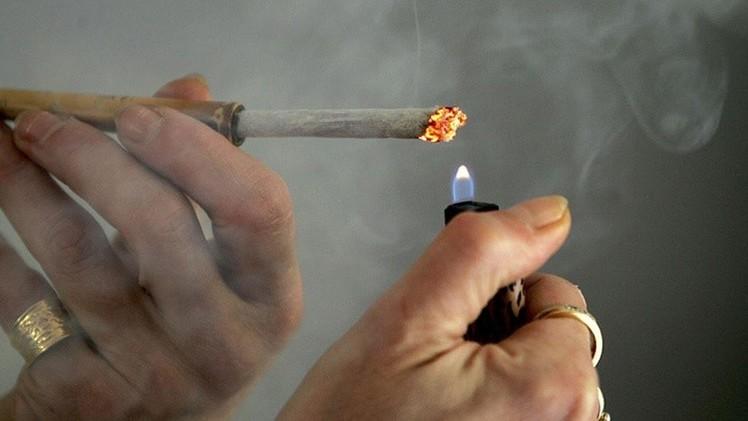 ¿Dejaría de fumar a cambio de dinero?