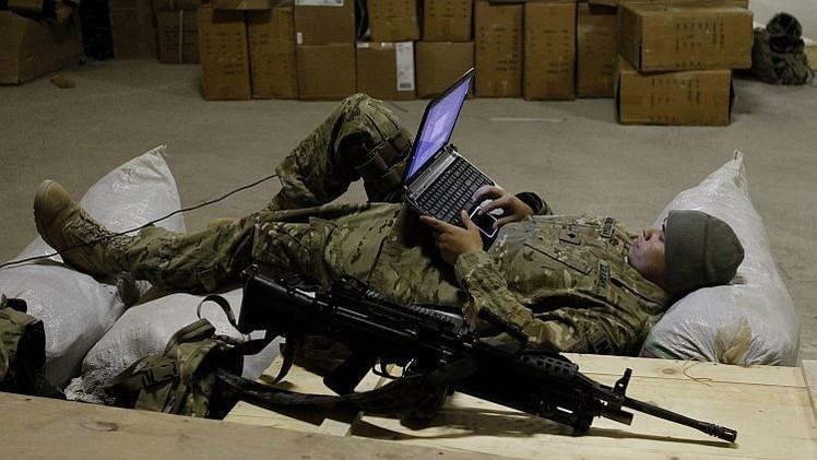 Reino Unido forma un 'ejército de Facebook'
