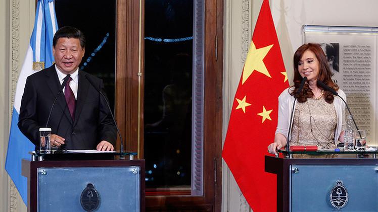 """Cristina Fernández de Kirchner estrecha la """"alianza estratégica"""" con China"""