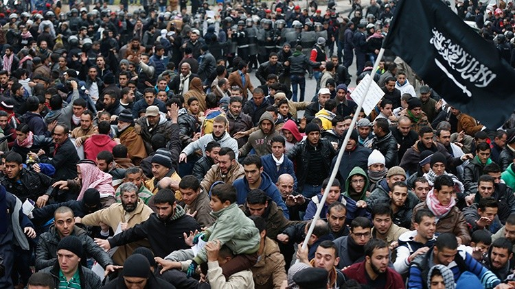 Musulmanes de todo el mundo protestan por la nueva portada de 'Charlie Hebdo'