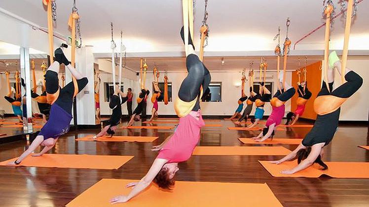 Correr hacia atrás o yoga en hamaca: Seis técnicas contra la monotonía del gimnasio