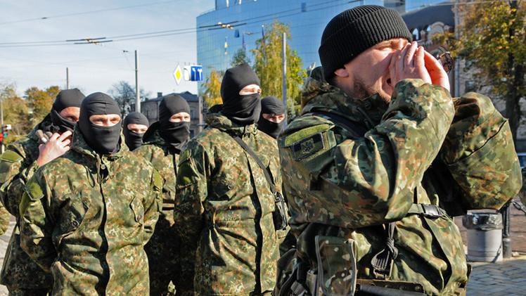 Ucrania: El comandante del batallón Azov cree que el país se dirige  a la capitulación