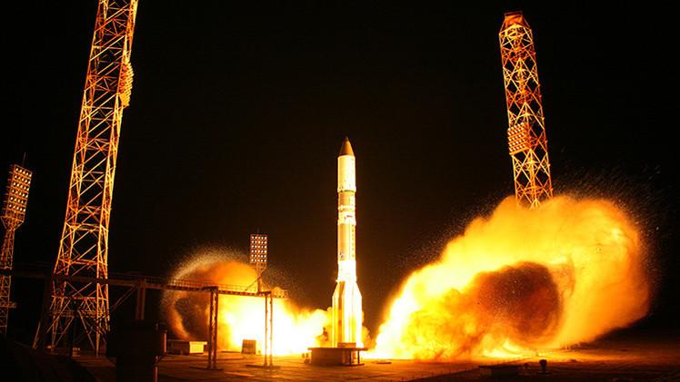 Video: Lanzamiento del cohete ruso Protón-M con un satélite británico