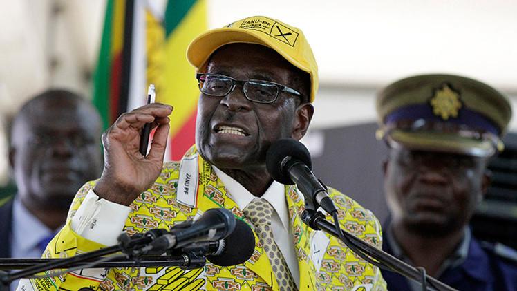 """Presidente de Zimbabue: """"No es posible que las mujeres y los hombres estén a la par"""""""