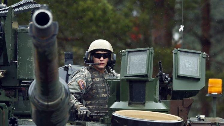 El suministro de armas letales a Ucrania gana adeptos entre los militares de la OTAN