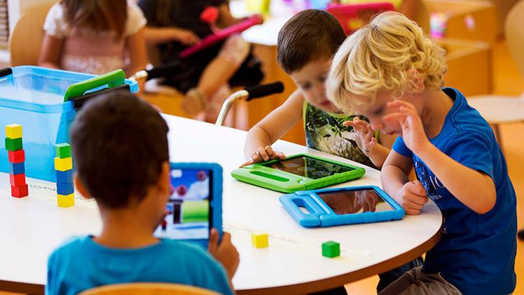 Los smartphones y los iPads impiden a los niños desarrollar habilidades sociales