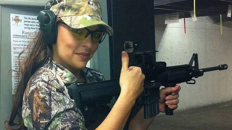 """EE.UU.: Mujer prohíbe acceso de musulmanes a campo de tiro y su negocio """"prospera"""""""