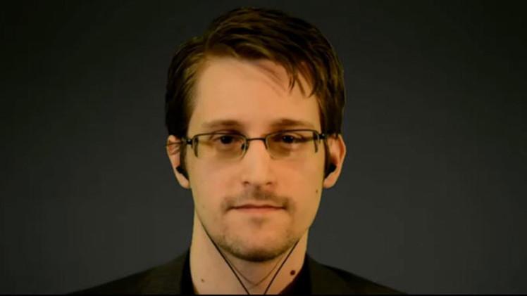 """Snowden: """"El problema con la vigilancia, es que cuando recolectas todo, no entiendes nada"""""""
