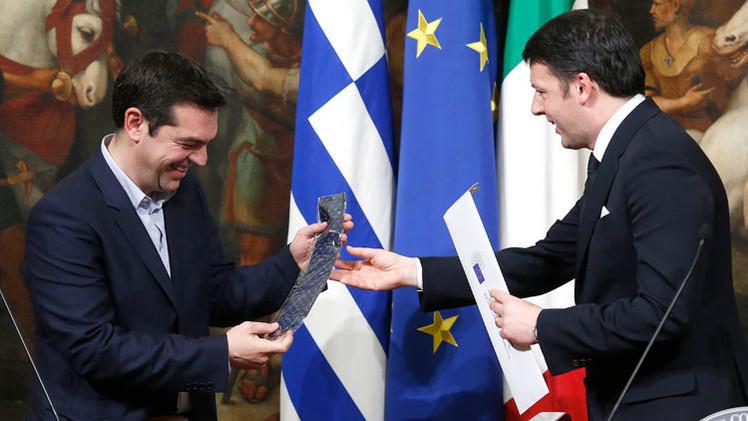 """Tsipras: """"Llevaré corbata cuando resolvamos la crisis de deuda griega"""""""