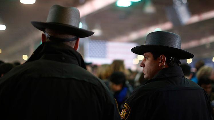 Video: La Policía interviene en una protesta contra la tortura en EE.UU.