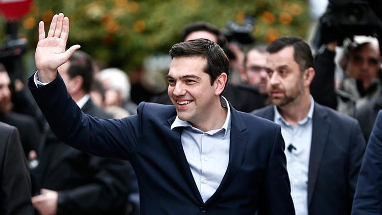 Suprimen los coches oficiales del Gobierno griego: Syriza viajará en transporte público