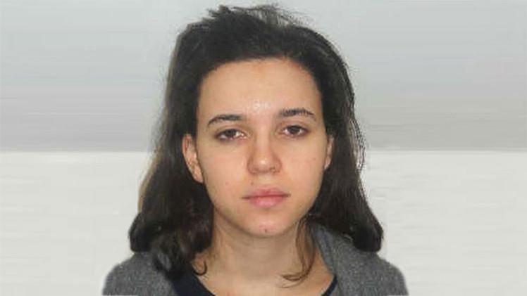 La esposa de uno de los terroristas de París podría aparecer en el último vídeo del Estado Islámico