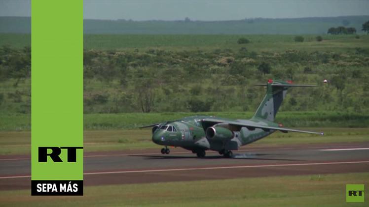 Video: Vuelo inaugural del carguero militar brasileño Embraer KC-390