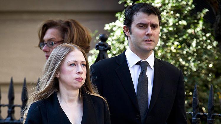 El fondo de cobertura del yerno de los Clinton sufre pérdidas multimillonarias en Grecia