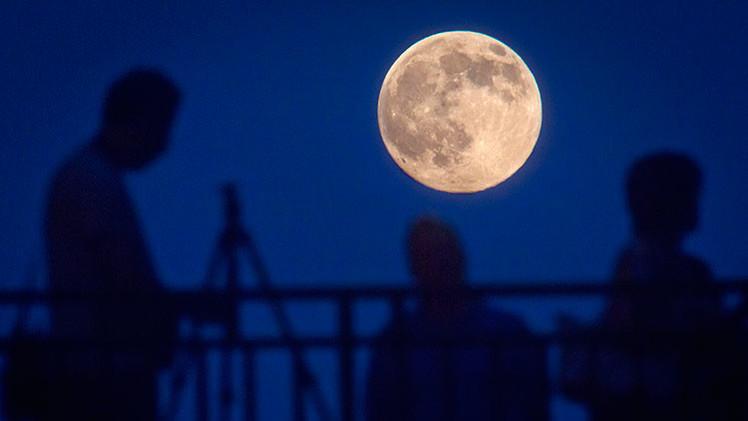 EE.UU. da derecho de propiedad sobre la Luna a sus empresas