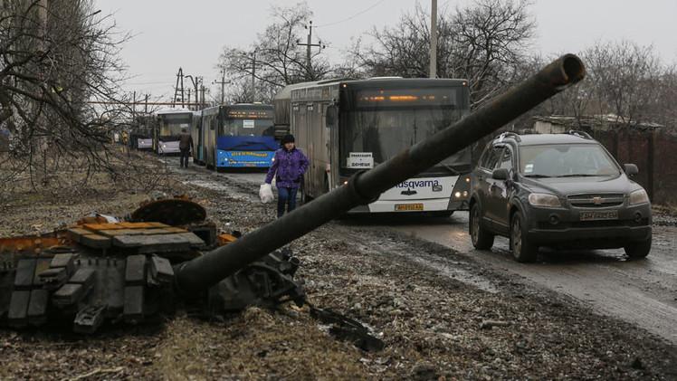 Donetsk y Lugansk evacúan los residentes a través de corredores humanitarios