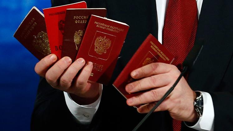 "Moscú exige copias de ""pasaportes rusos"" presentados por Poroshenko en Múnich"