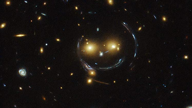 El telescopio Hubble capta una galaxia 'sonriente'