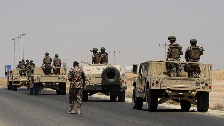 Jordania envía miles de soldados a la frontera con Irak para combatir al EI