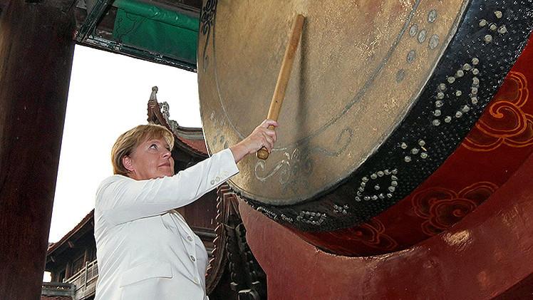 """""""Merkel y Europa discrepan con EE.UU. sobre el suministro de armas a Ucrania"""""""