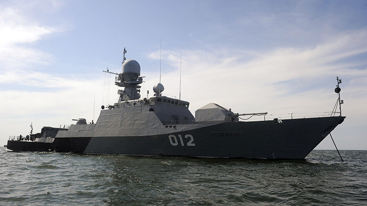 Rusia emprende urgentes maniobras navales en el mar Caspio