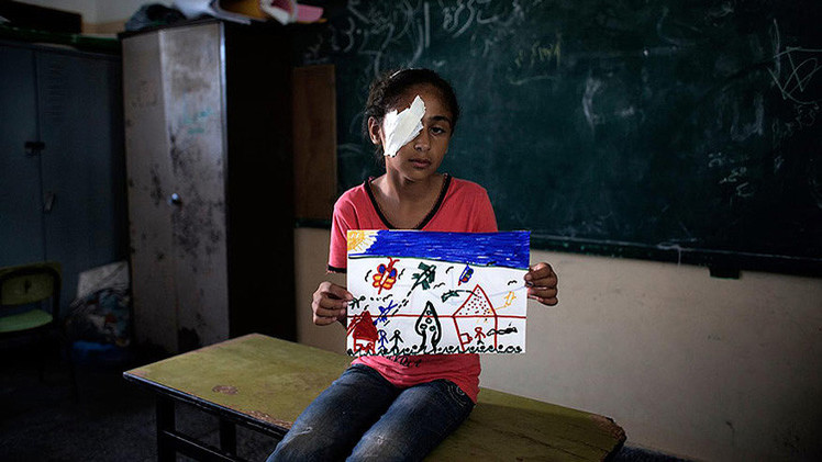 Los niños de la Franja de Gaza dibujan su futuro en hojas de papel