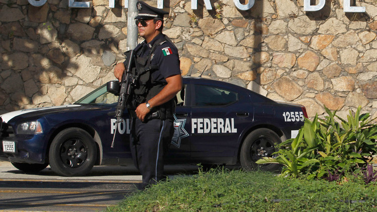 Policía contra 'Lady Goliat': El video de una riña causa revuelo en México