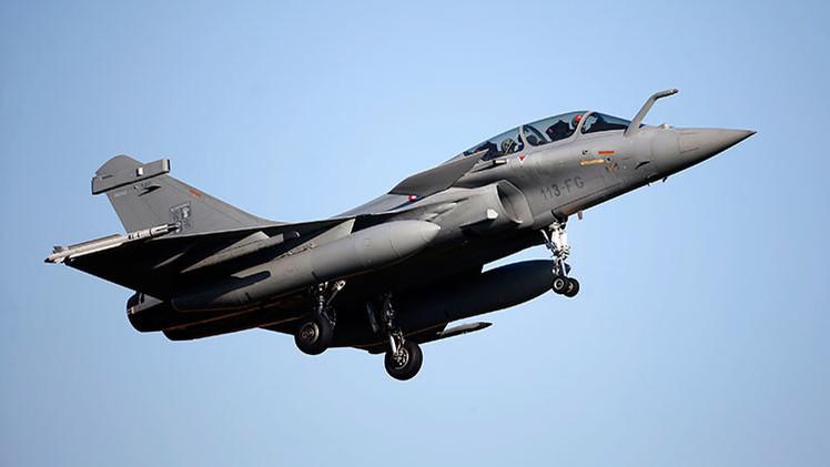Los cazabombarderos franceses Rafale pierden el 'combate' por la India