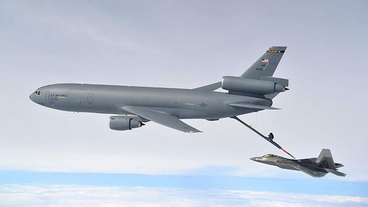Video: Reabastecimiento en vuelo de los cazas que bombardean al Estado Islámico