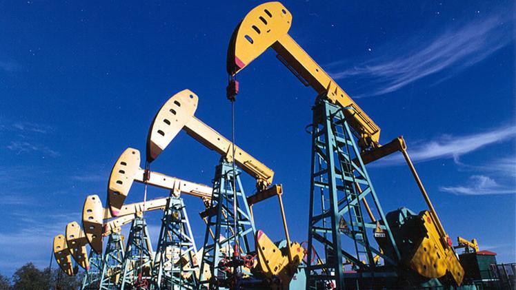 """Representante kuwaití en la OPEP: """"El precio del crudo no subirá a 100 dólares en los próximos años"""""""