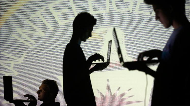Exagente de la CIA: EE.UU. ha creado un paraíso para los 'hackers'