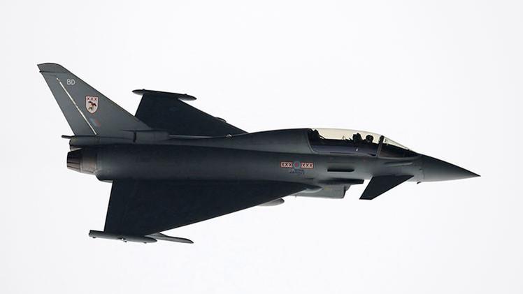 Reino Unido despliega aviones de caza para interceptar dos bombarderos rusos (video)