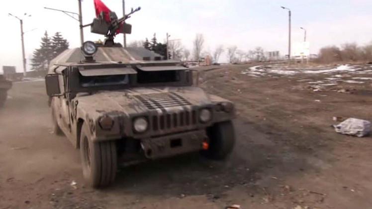 Toman imágenes de un vehículo blindado estadounidense en Debáltsevo