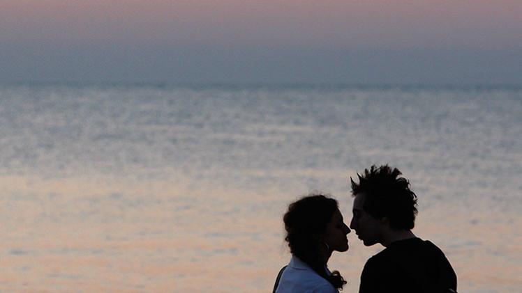 ¿Es posible enamorarse en 4 minutos? Un vídeo que lo demuestra se vuelve viral en la Red