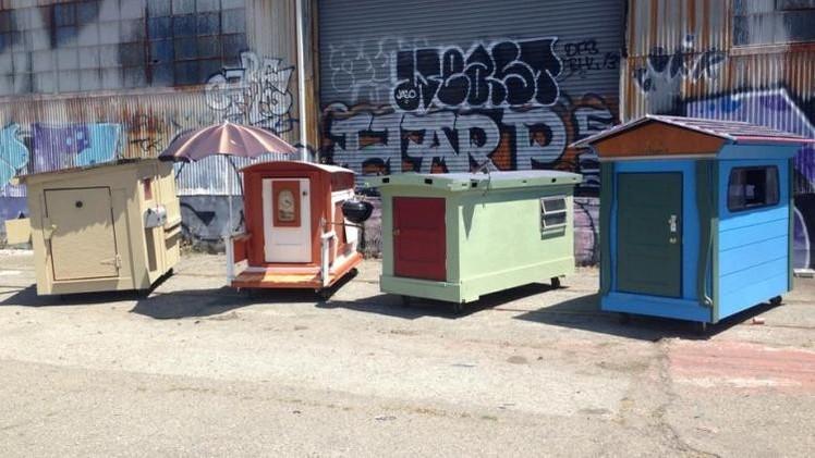 FOTOS: Artista diseña increíbles casas diminutas para los indigentes de California
