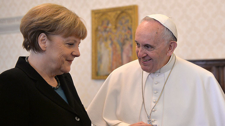 """Papa a Merkel: """"Hay que proteger a los pobres"""""""