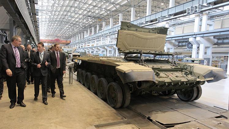 Los primeros tanques Armata se preparan para la entrega al Ejército de Rusia