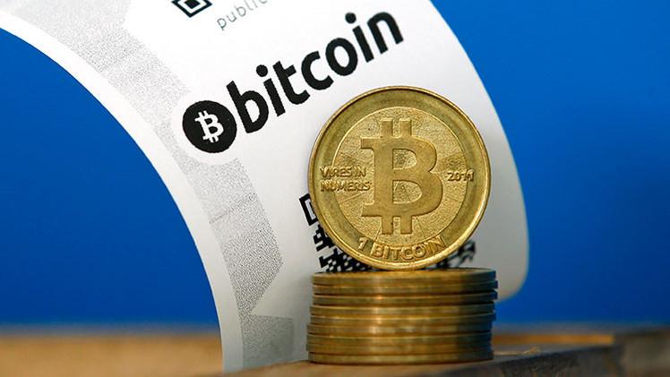 Economistas revelan cinco razones del colapso del bitcóin