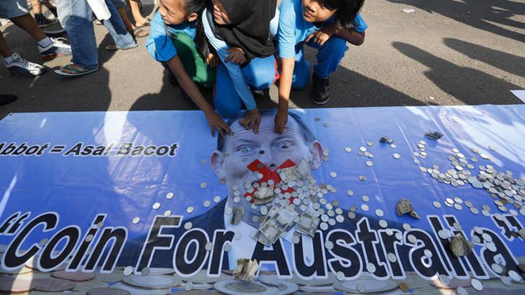 Indonesios reúnen monedas para devolver donación a Australia por el devastador tsunami