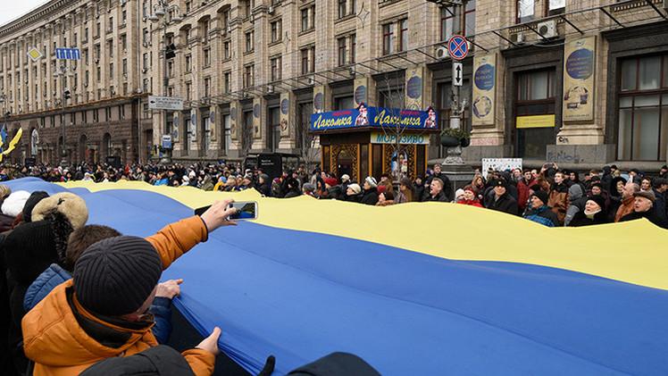 Ucrania expulsa a dos periodistas rusos y prohíbe su entrada en el país