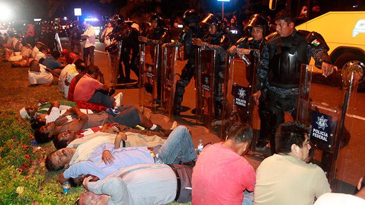 México: Un anciano muere en el brutal desalojo de una protesta en Acapulco